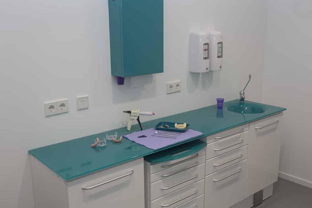 Femke Grashuis tandprothetiche praktijk, uithoorn