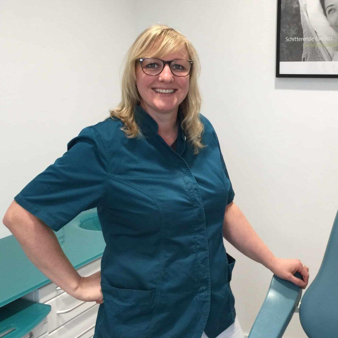 tandprothetische praktijk, Femke grashuis, tandprothetische praktijk, uithoorn, tandtechniek, kunstgebit